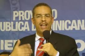 Manuel Duran hablando.jpg